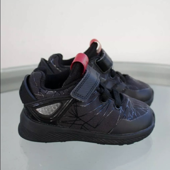 huge selection of dfb99 8f184 ADIDAS x MARVEL SPIDERMAN RAPIDARUN Toddle SHOES